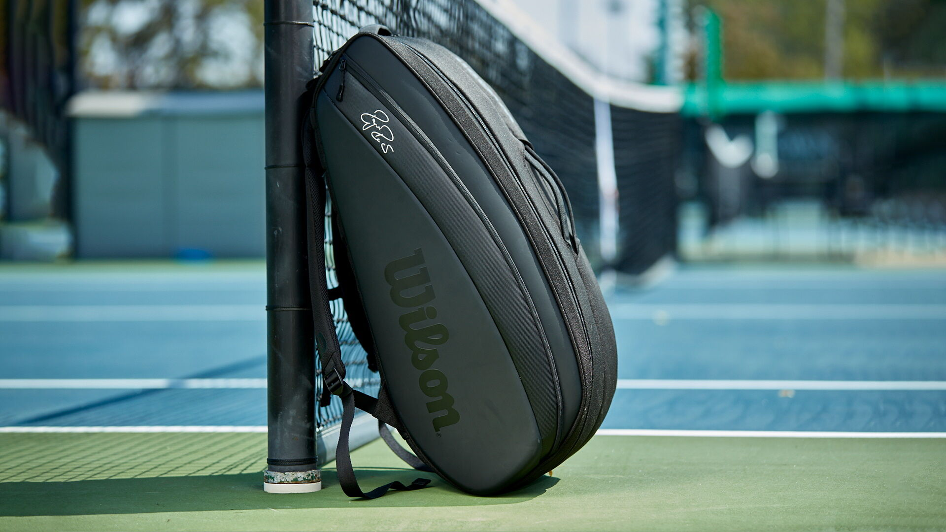 Wilson RF DNA 12PK fekete tenisztáska